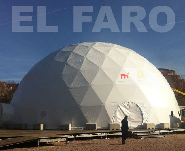 EL FARO. An ephemeral architecture and audiovisual installation. Colón square, Madrid.